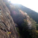 ツツジの花を楽しみながら比叡山でクライミングを楽しむ