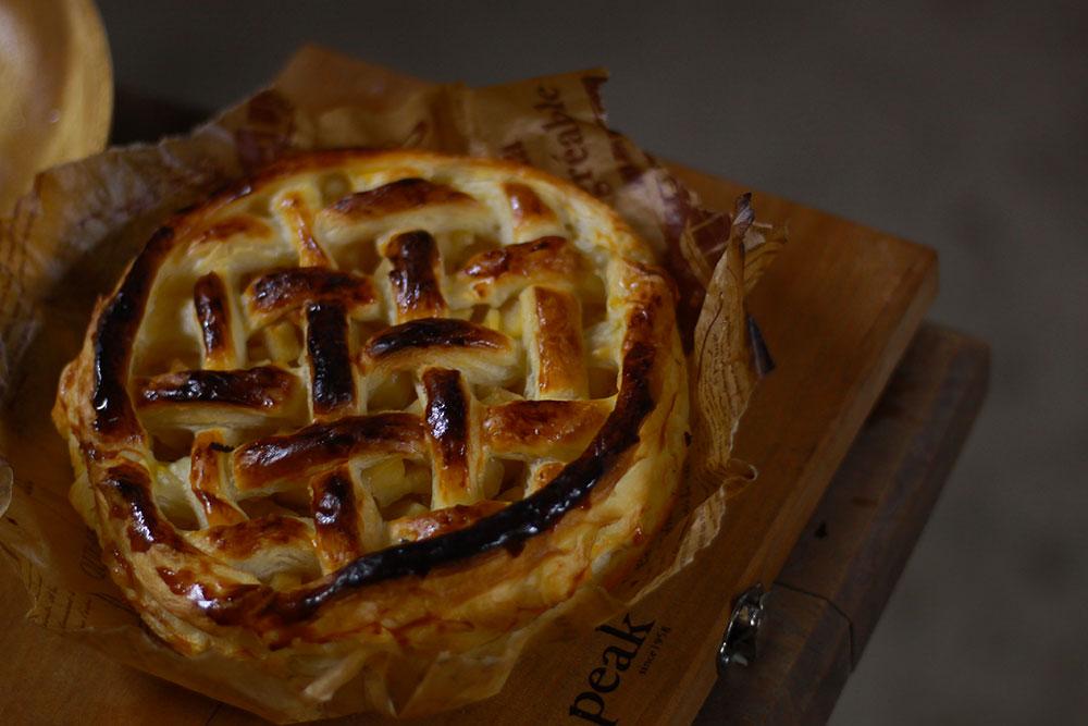 焼き上がりも見栄えも素敵なアップルパイ