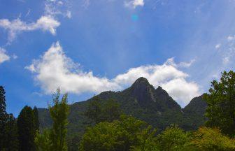 鹿川キャンプ場から眺める鉾岳