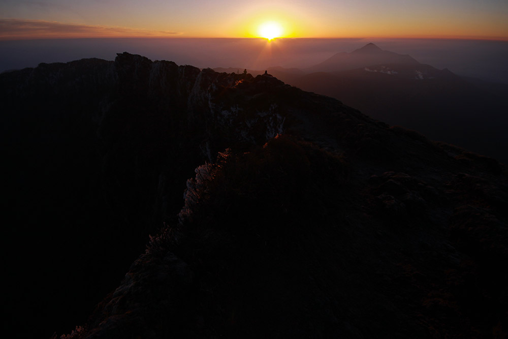 韓国岳から眺めるご来光は最高に美しい