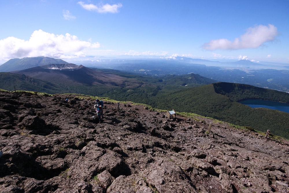 山頂からは素晴らしい展望が楽しめる