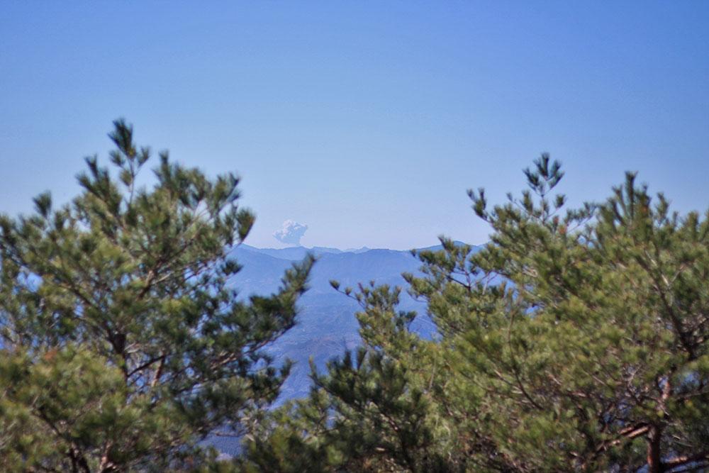 ちょうど撮影した日は新燃岳が噴火しました