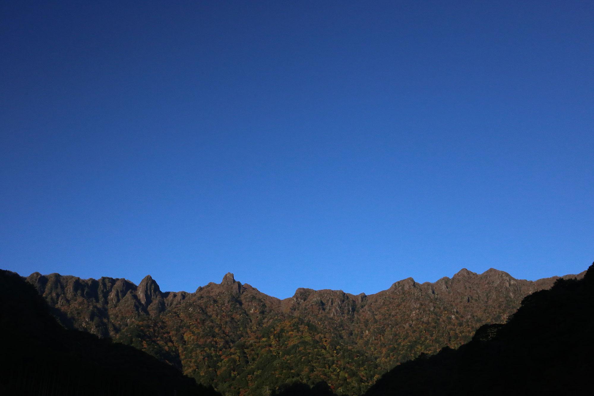 尾平登山口付近から眺める風景