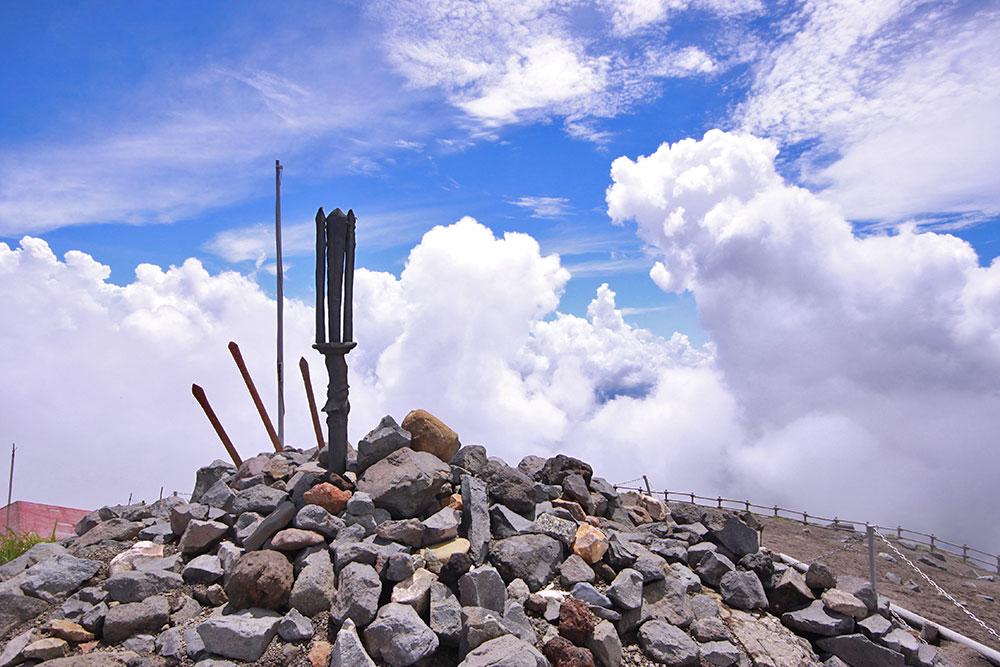 高千穂峰山頂の天の逆鉾