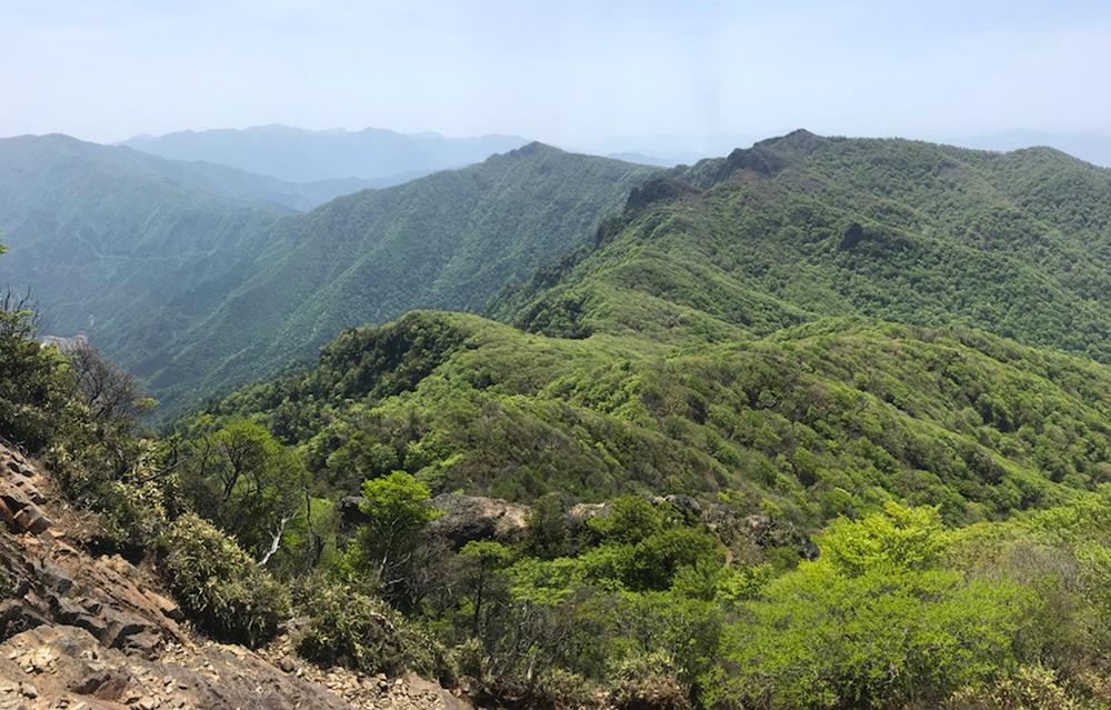 ここを訪れる度に見惚れてしまう山頂からの風景