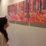 入江万理子さんの絵画「Obisugi」を展示させていただきました