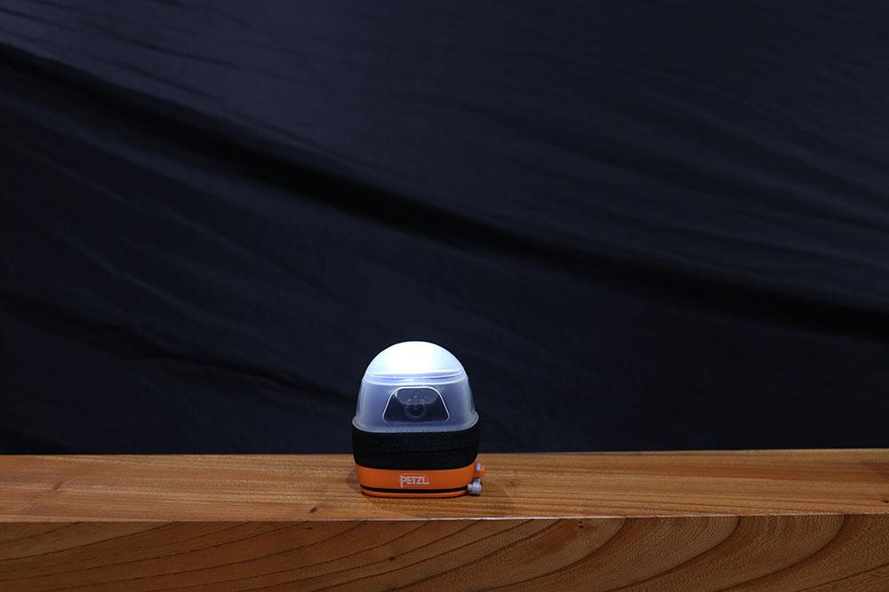ヘッドライトを収納して点灯すればランタンとして使えます
