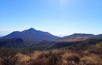 大幡山から眺める高千穂峰と新燃岳