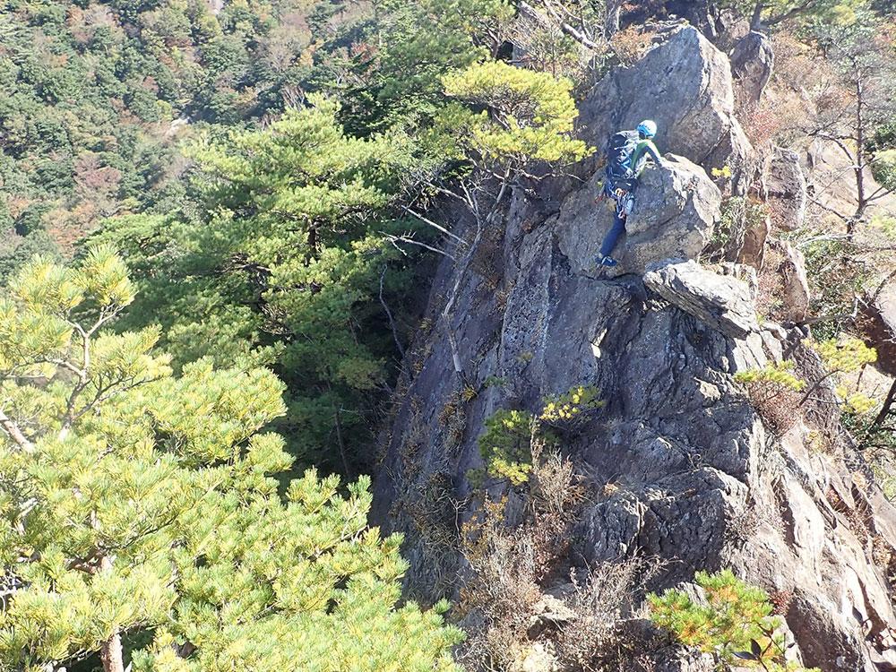 急峻な岩場でも足元に不安を感じません