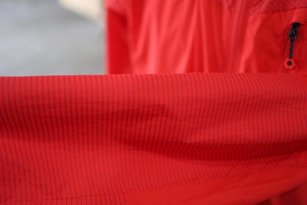擦れの多い袖部分