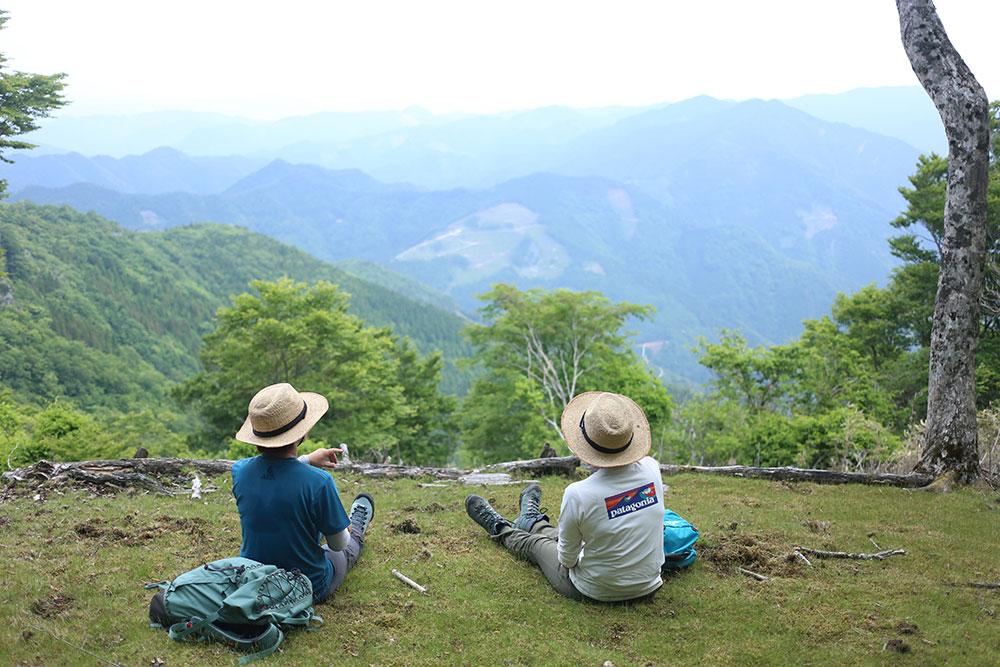 諸塚の風景を眺めながら休憩の時間