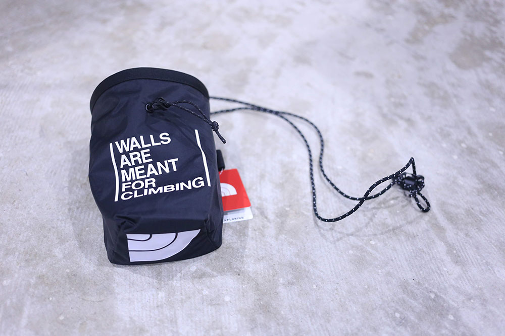 WALL ARE MEANT FOR CLIMBING CHALK BAG