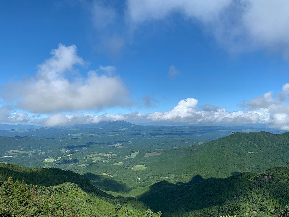 阿蘇山方面を眺める