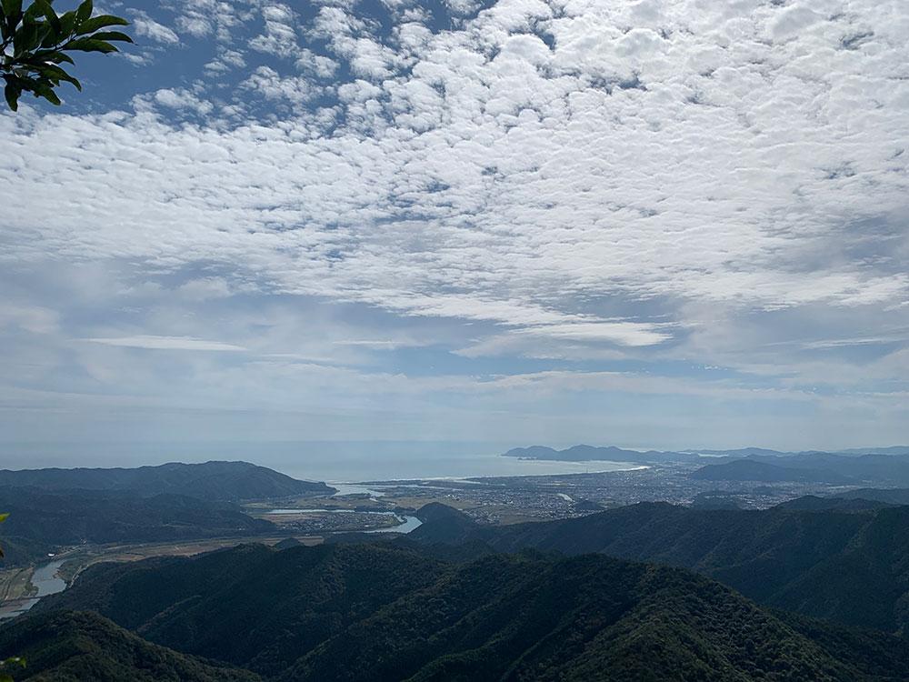 ノゾキから眺める海方面