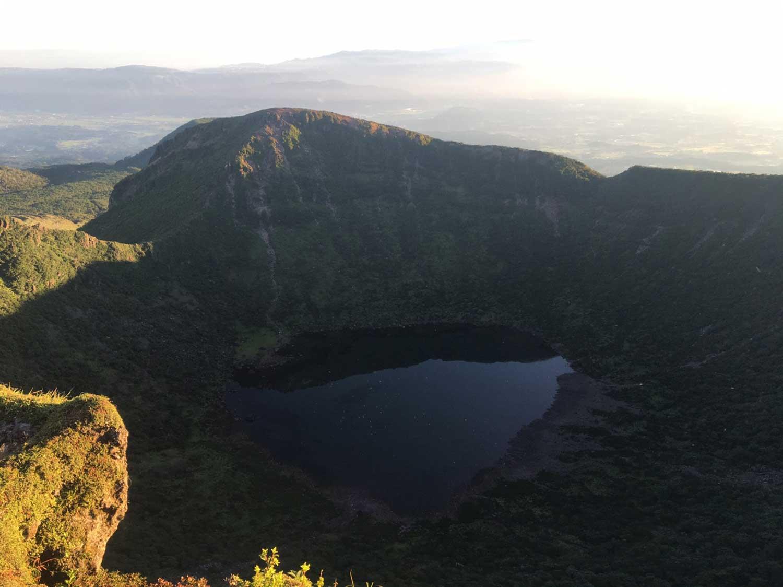 韓国岳の火口湖