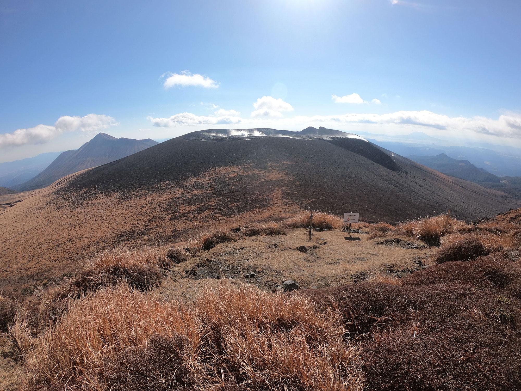 高千穂峰、新燃岳、桜島