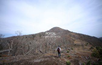 鬼の目山へ向かう稜線